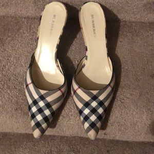 BURBERRY-(AS IS)/SIGNATURE PLAID MULE-FIT LIKE 7.5